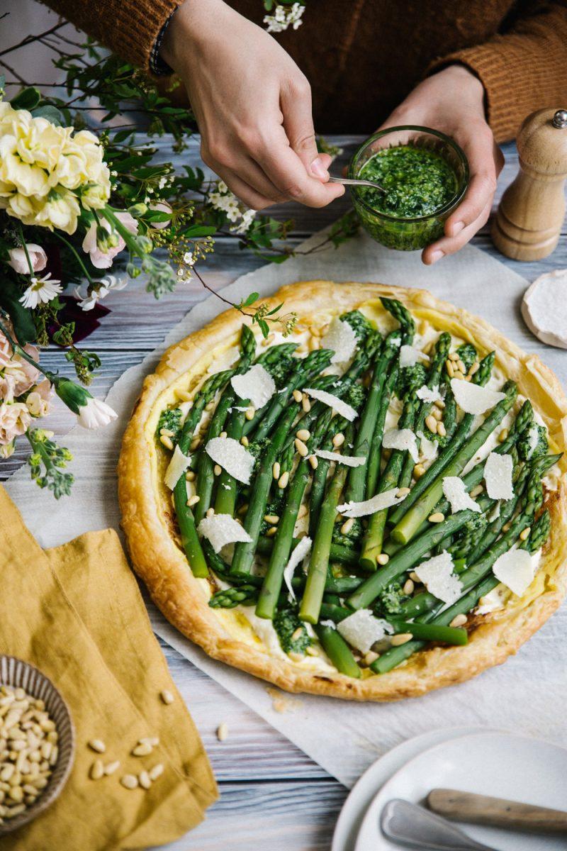 Tarte aux asperges et ail des ours Stylisme Et Photographie Culinaire Besly